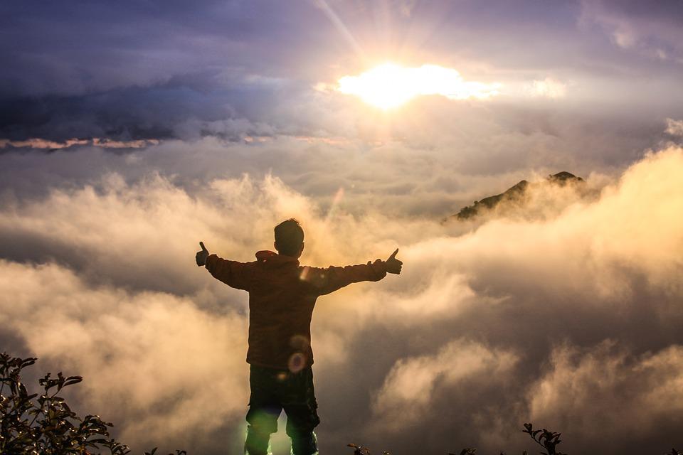Angyali üzeneted szerda éjszakára: Jó hírem van! Az az élet, amelyről álmodtál, most valósággá válik...