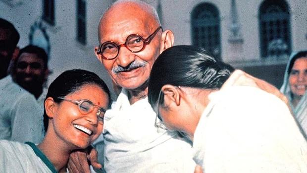 """Mahátma Gandhi: """"A megbocsátás képessége az erős emberek jellemzője; a gyengék soha nem bocsátanak meg!"""""""