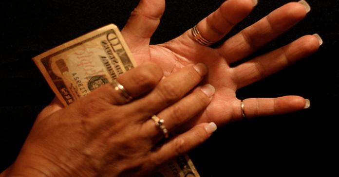 A Louise Hay-féle mágikus formula: gyorsabban jön a pénz a házhoz, mint azt el tudnád költeni!